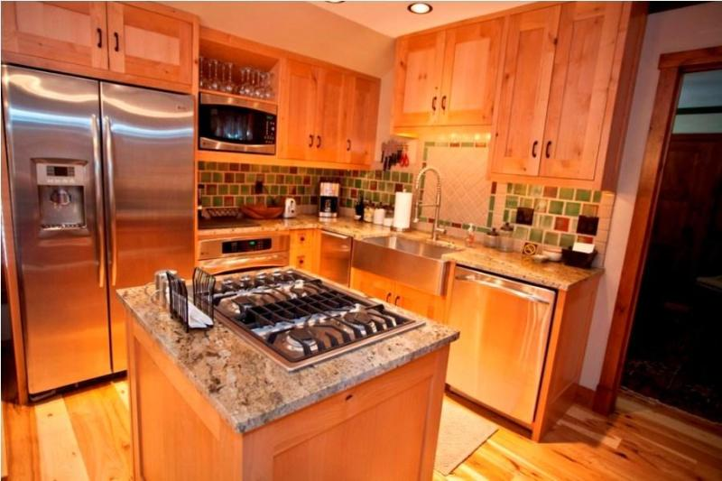 Kitchen - Penthouse by the Gondola - Ore Station - Telluride - rentals