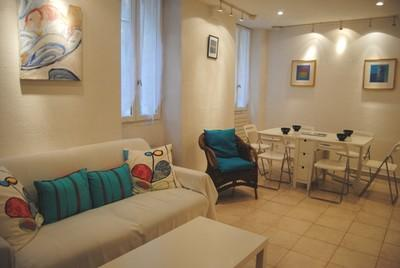 Le Suquet 2 Bedroom Apartment, in Center of the Old Town of Cannes - Image 1 - Cannes - rentals