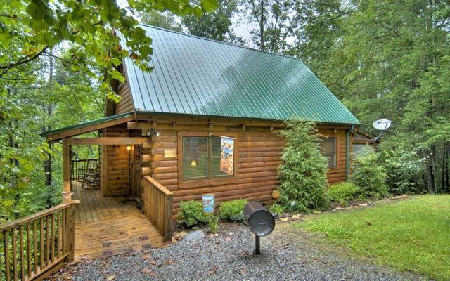 Bearway To Heaven entrance - Bearway To Heaven 2 BR 2 BA Log Cabin Gatlinburg - Gatlinburg - rentals