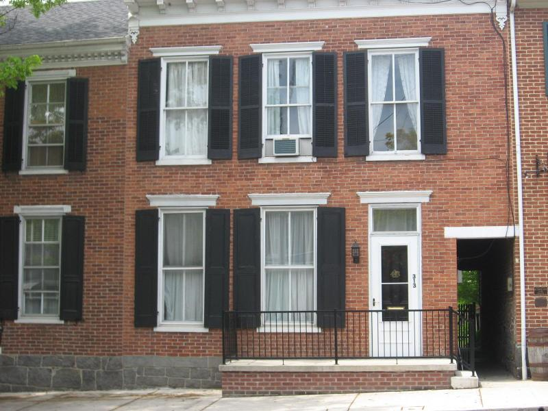 Front of House on Baltimore St. - Old Orchard Guest House - Gettysburg - rentals