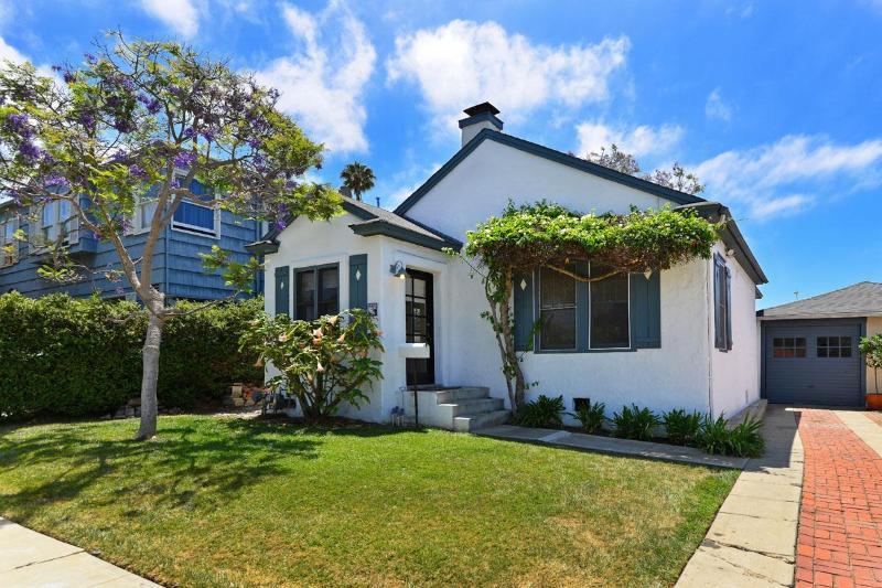 Front yard - Sea Lane Cottage - La Jolla - rentals