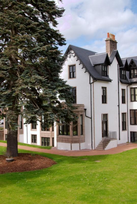 external view of apartment - Luxury apartment near Balmoral in Royal Deeside - Ballater - rentals