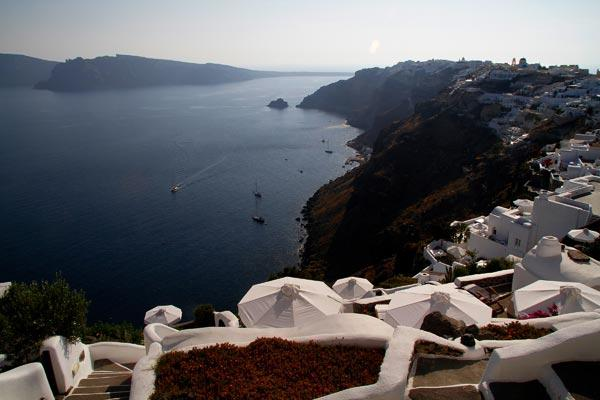 Traditional cave house furnished with antique and modern pieces. MED WHT - Image 1 - Santorini - rentals