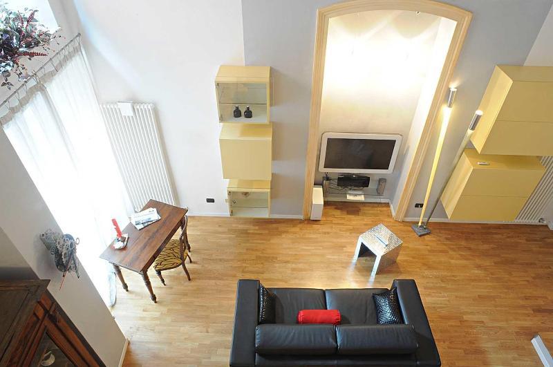 The elegant living room - Secret Loft - Verona - rentals