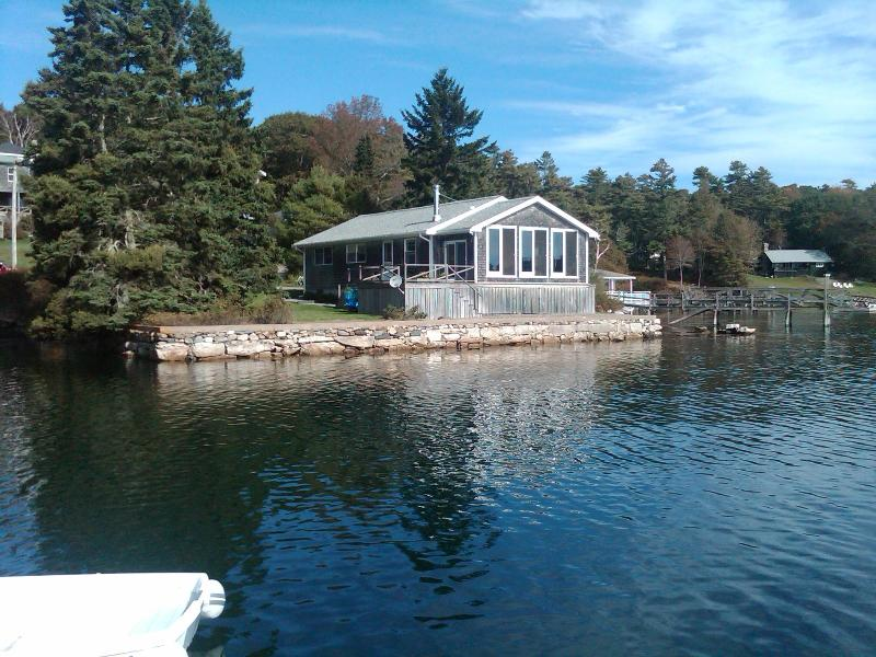 Bayville Waterfront Cottage - Waterfront Rental Home near Boothbay Harbor Maine - Boothbay Harbor - rentals