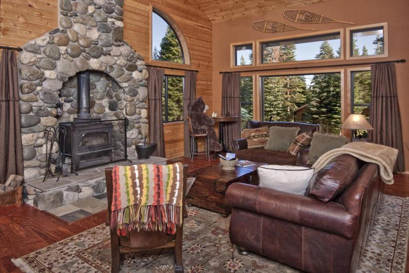 Beautiful Tahoe Donner Mountain Home with Hot Tub - Image 1 - Truckee - rentals