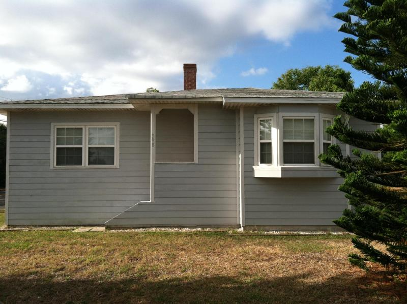 Front of our home - 3/2 Home In Daytona Beach! Great Rates!! - Daytona Beach - rentals