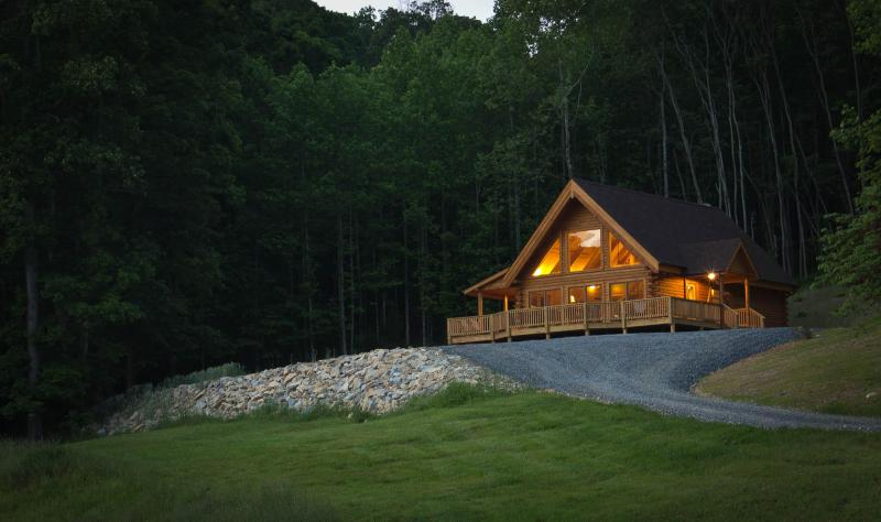 Meadow View Cabin - MeadowView Cabin new log home, near Lexington, VA. - Lexington - rentals