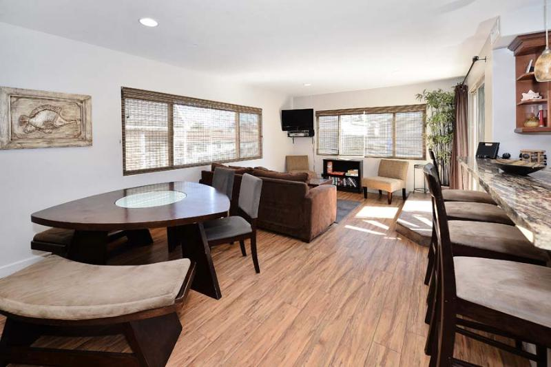 720 Living/Dining area -  - Isthmus Vacation #2 - San Diego - rentals