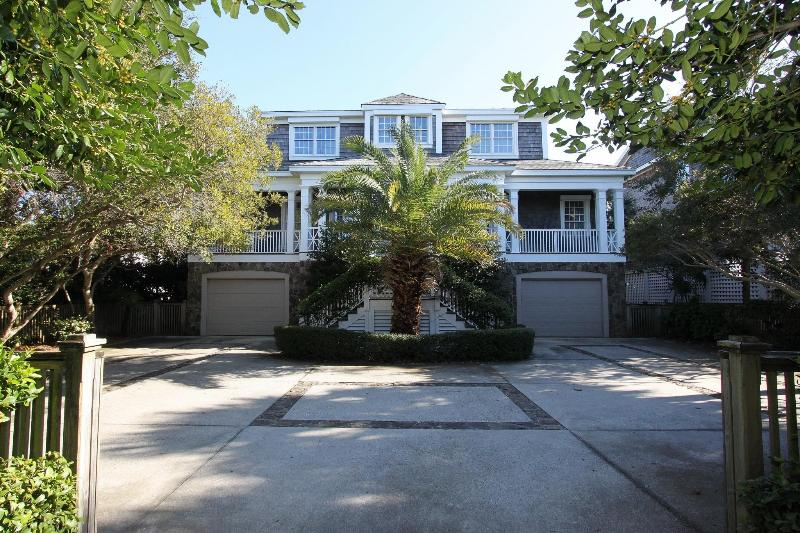 Front Exterior - Elegant, Oceanfront 5 Bd, 5.5 Ba, w/Heatable Pool! - Isle of Palms - rentals