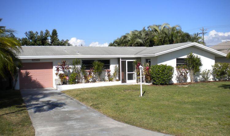 Front Villa Kerr - Villa Kerr  Cape Coral Yachtclub Area Poolhome - Cape Coral - rentals