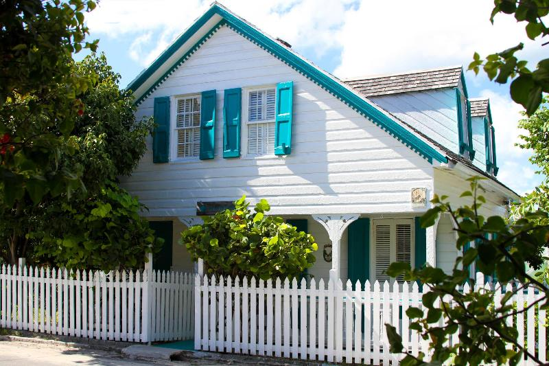 Briland Breeze - Image 1 - Harbour Island - rentals