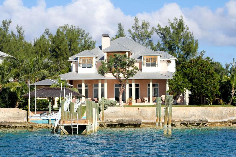 Buttonwood - Image 1 - Harbour Island - rentals