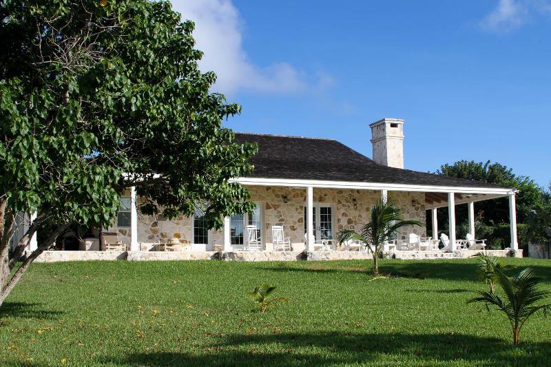 Harbour Front View - Coconut Ranch - Harbour Island - rentals