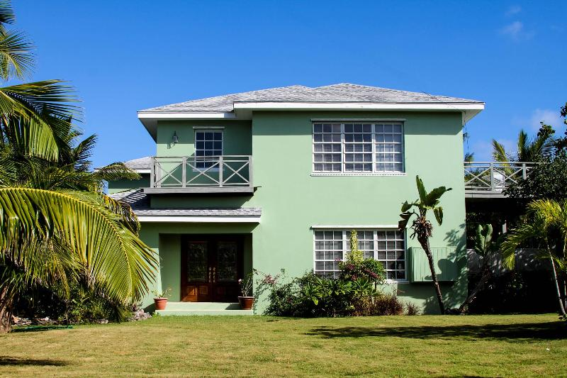 Dunns House - Image 1 - Harbour Island - rentals