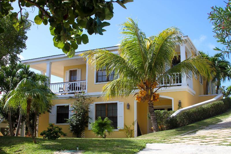 Solaqua - Image 1 - Harbour Island - rentals