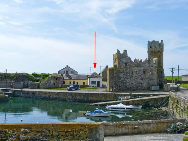 OLD FISHERMAN'S COTTAGE, near the coast and scenic walks, pet-friendly, with a garden, near Fethard-on-Sea Ref 18200 - Image 1 - Fethard On Sea - rentals