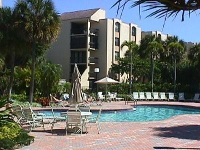 Pool with Hot Tub - 2BR / 2B Vacation Rental - Delray Racquet Club - Delray Beach - rentals