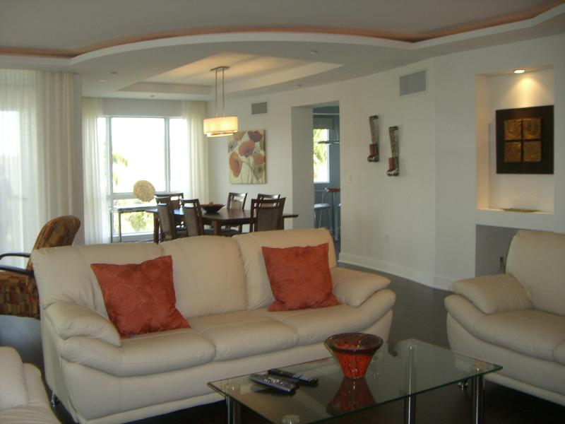 Grand Salon with 52 inch flatscreen/DVD - Aug Specials Call Private Bch Resort Spacious LUX! - Fort Lauderdale - rentals