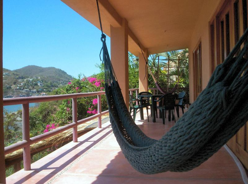 Ocean and bay views from the terrace! - Zihuatanejo Playa Madera House w Incredible Views! - Zihuatanejo - rentals