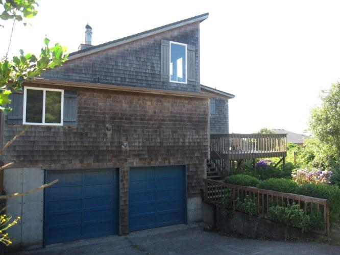 Sea Wonder - Plenty of parking - 3 Bedroom, 2 bath in Cape Meares with a Hot Tub! - Cape Meares - rentals