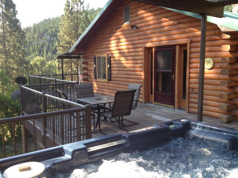 View of the lodge from the hot tub - Hummingbird Hill Resort Lodge - Theater and Solar - Naches - rentals