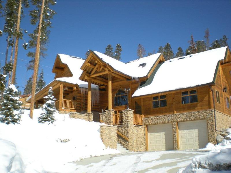 Front of home street view - Mountain Log Cabin with Great Views of Lake Dillon - Silverthorne - rentals