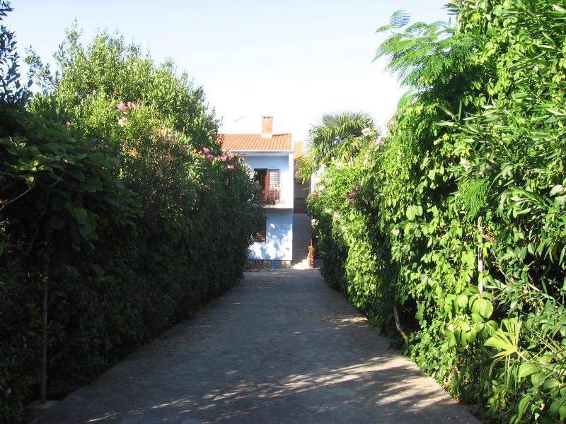 view from the street - Zadar apt in lux villa with pool& garden near sea - Zadar - rentals