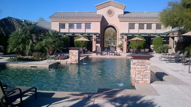 Spectacular Large Heated Pool - Affordable Phoenix Luxury - Phoenix - rentals
