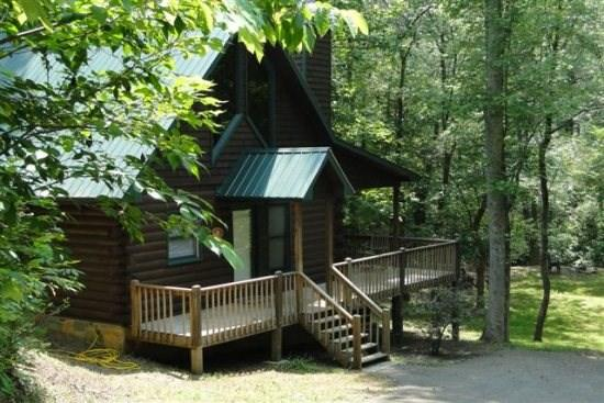 Welcome to A Blue Ridge Beauty - A Blue Ridge Beauty combines cozy and comfort with creekside and wooded forest perfect cabin retreat - Blue Ridge - rentals