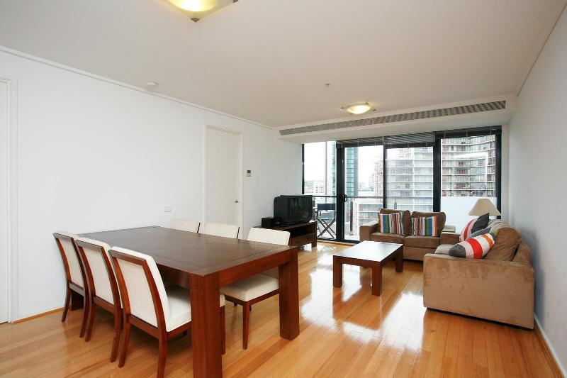 Spacious Living Room - 3 Bedroom Apartments in Central Melbourne - Victoria - rentals