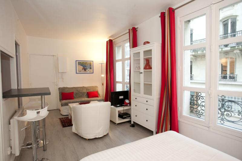 Apart for 2 people in the Latin Quarter by Weekome - Image 1 - Paris - rentals