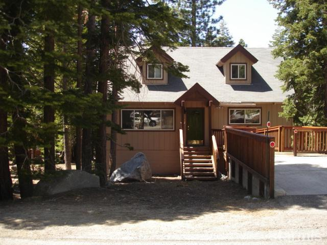 front entrance - Large Mountain House-Spa/Pool Table/Pingpong/Wifi - South Lake Tahoe - rentals