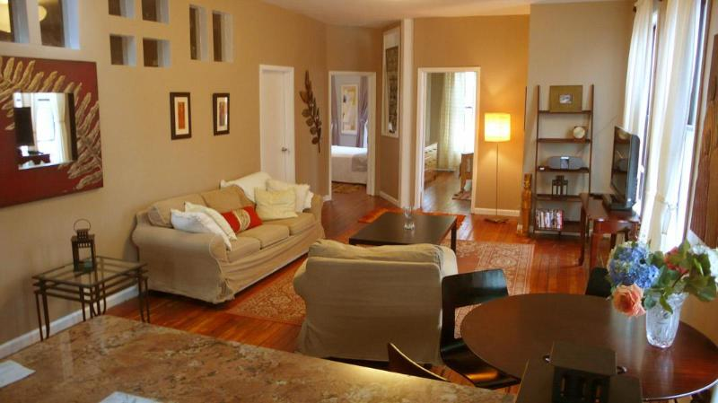 Facing the 2 back bedrooms - Beyond the ordinary 1250 sqft !!! - New York City - rentals