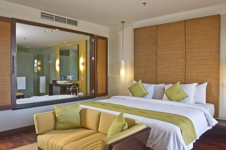 Master bedroom and ensuite - NusaDua Penthouse at one Bali's best beach resorts - Nusa Dua - rentals