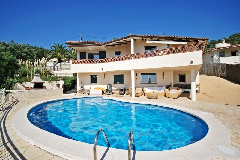 Beautiful Costa Brava villa: Gorgeous Bella Roma - Image 1 - Lloret de Mar - rentals