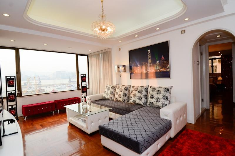 Huge living room with full Victoria Harbor View - SHOWTIME! SUPERB XXL HARBOR VIEW MTR CLEAN FAMILY - Hong Kong - rentals
