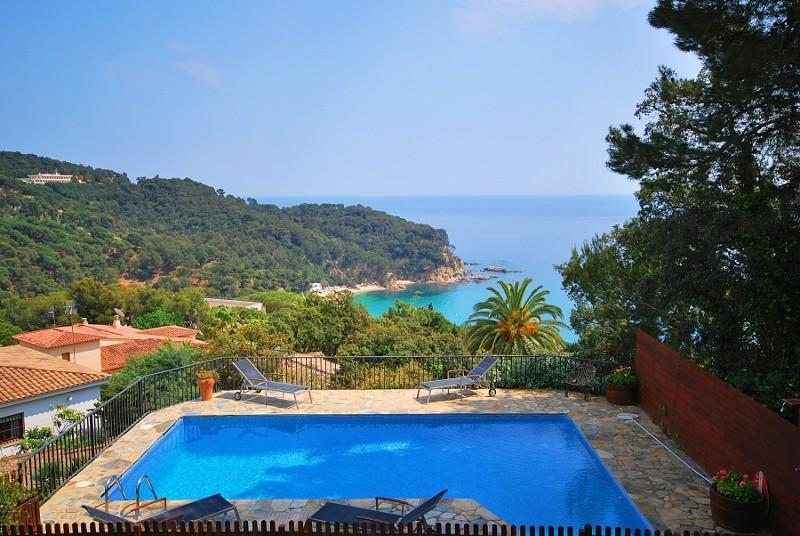 300m from Beach: Beautiful Villa Sunrise - Image 1 - Lloret de Mar - rentals