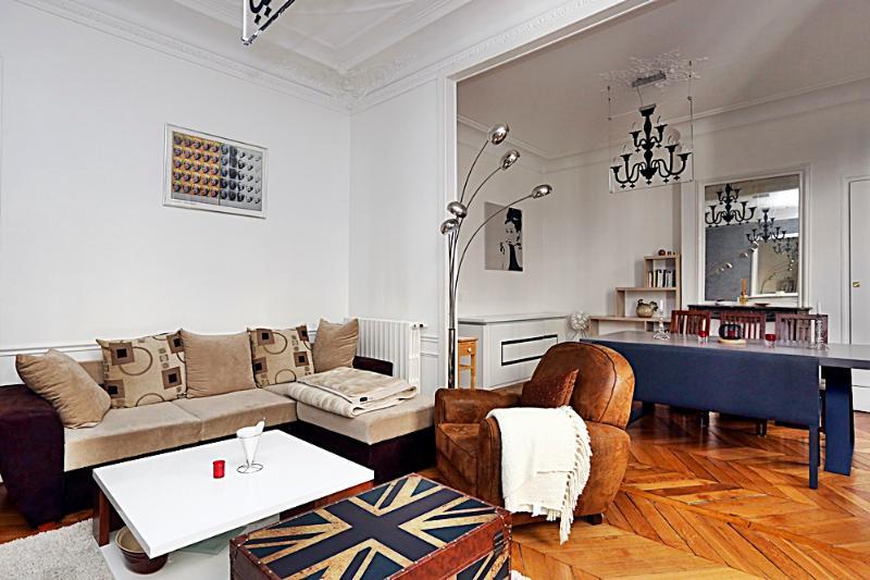 Living room - Large 2BR flat Ternes area P17 - Paris - rentals
