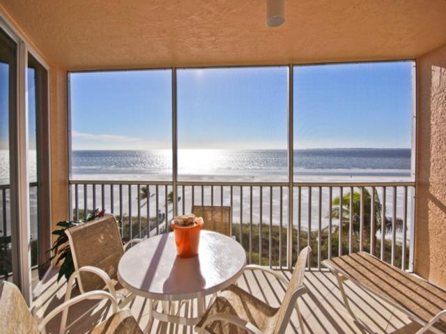 Estero Island Bch Villas 402 BV402 - Image 1 - Fort Myers Beach - rentals