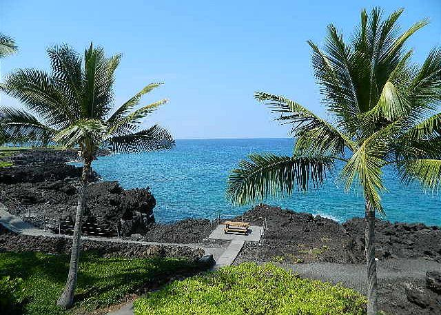 Ocean - 2 bedroom 2 bath townhouse style condo. Surf and Racquet 57-SR 57 - Kailua-Kona - rentals