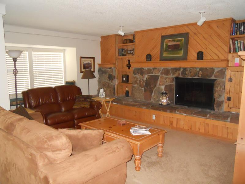 Living room with gas fireplace, sofabed, dual leather recliner, flat screen TV w/DVD - From $99 per night - Downtown Breckenridge -2 bedroom, 2 bath(sleeps 6) - Breckenridge - rentals