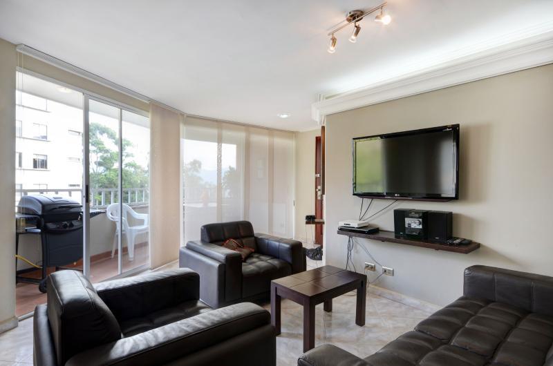 Castellano 601 Comfort Close to Lleras - Image 1 - Medellin - rentals