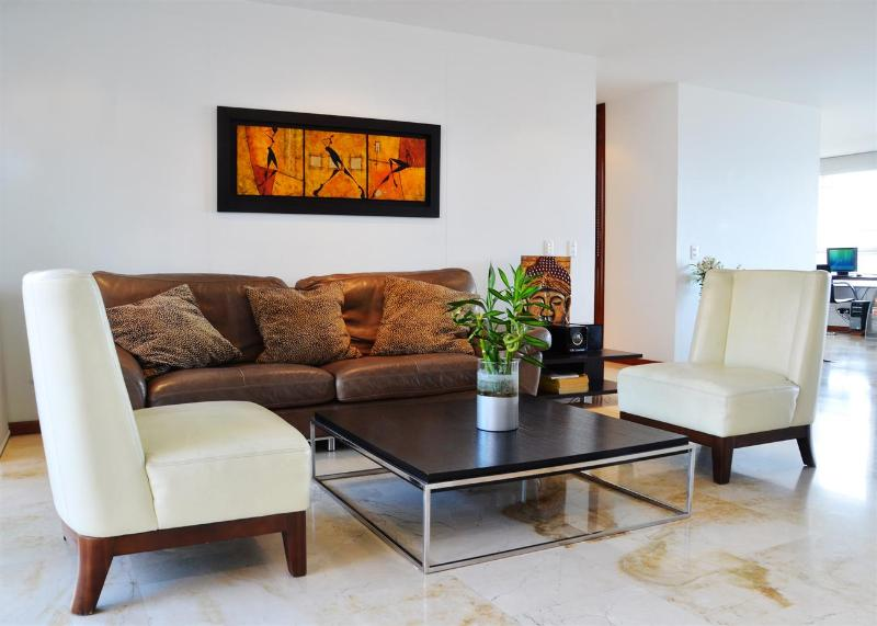 Miro 701 Large Modern Luxury Unit - Image 1 - Medellin - rentals