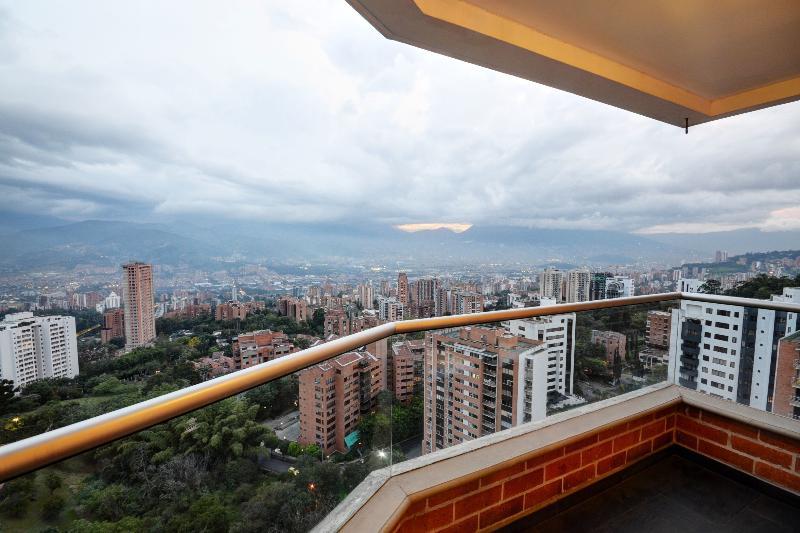 Atlantic 1302 Fasionable Condo with View - Image 1 - Medellin - rentals