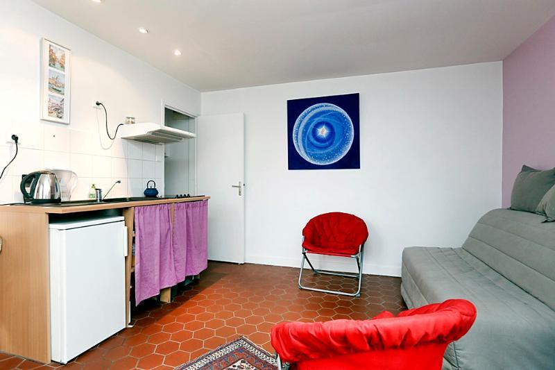 Main room - 0df9af0c-e795-11e1-87d1-0019b9ec8777 - 11th Arrondissement Popincourt - rentals