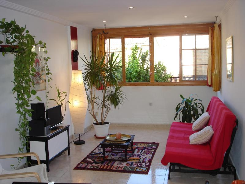 living room - Feng shui deco appartment next to Malaga's beach - Malaga - rentals