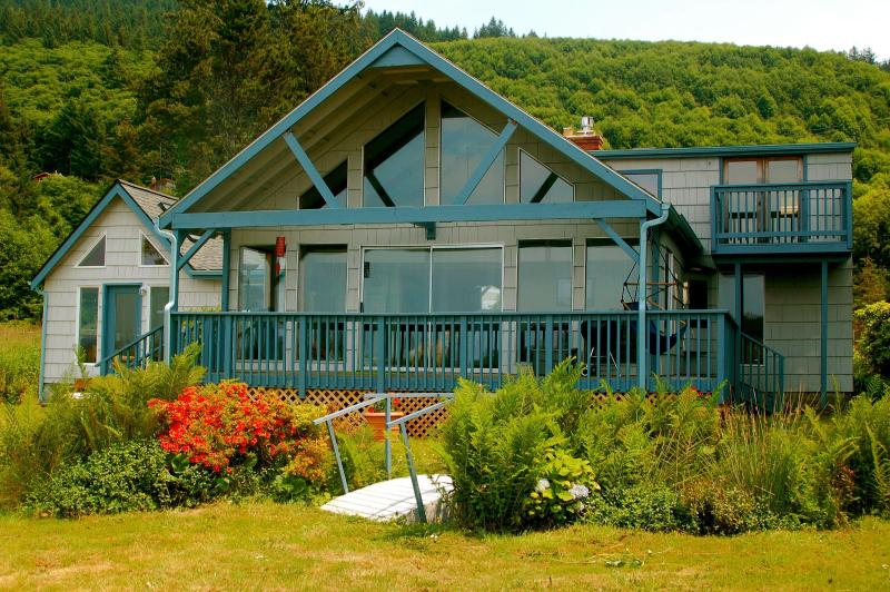 Full Frontal - Stunning sea views, large garden, private hot tub - Pacific City - rentals