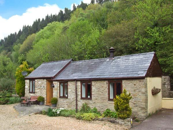 THE GRANARY, in the Forest of Dean, walks and cycle paths, with off road parking and a garden, in Lydbrook, Ref 18524 - Image 1 - Lydbrook - rentals