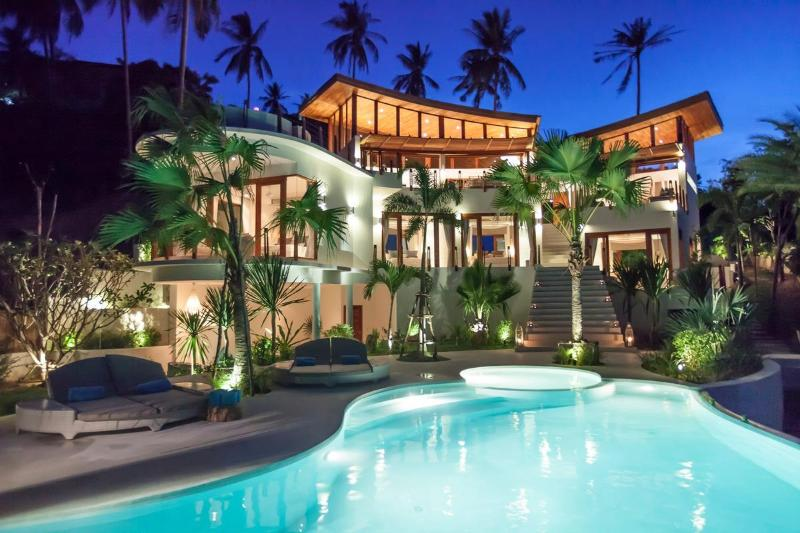 The villa comes alive at night - Villa Kya 4 bed designer villa stunning sea views - Bophut - rentals